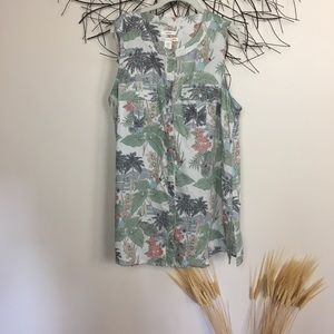 Linen sleeveless tropical button down tank. 1X